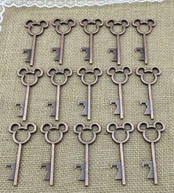 40pcs Antique Skeleton Key Bottle Openers Copper Wedding Favor Bridal Shower Gift Steampunk Deco ...